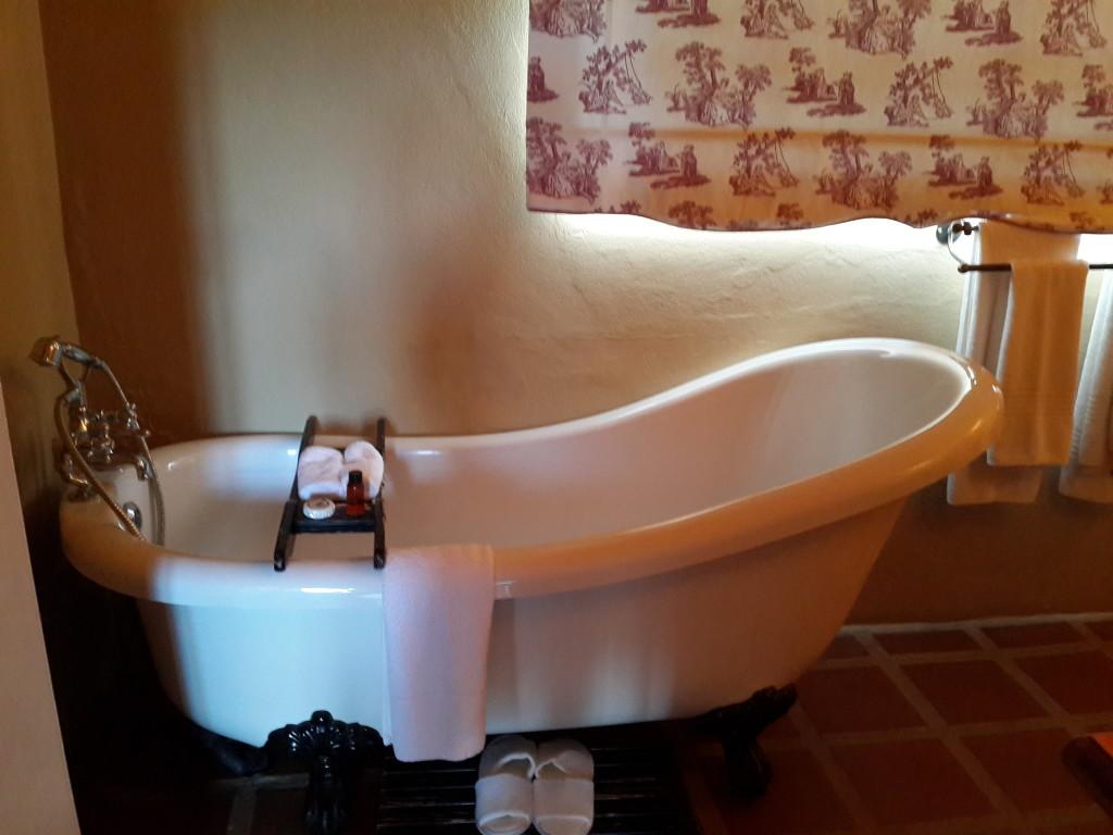 Askari Bathtub