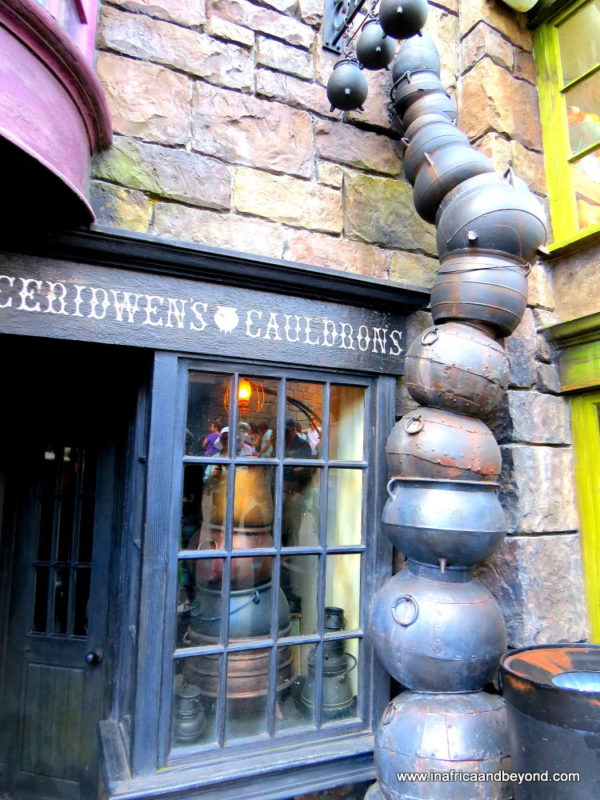 Cauldrons Universal Orlando - Wizarding World of Harry Potter