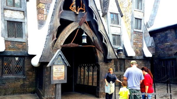 Three Broomsticks Inn Universal Orlando - Wizarding World of Harry Potter