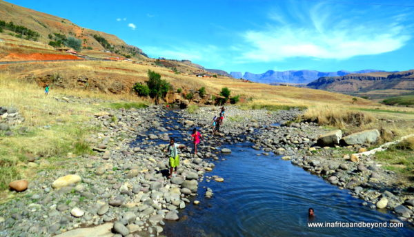 Drakensberg river - Photos of South Africa