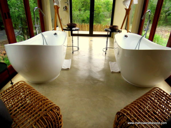 Bathroom at Sabi Sabi Bush Lodge Villa - photos of Mpumalanga