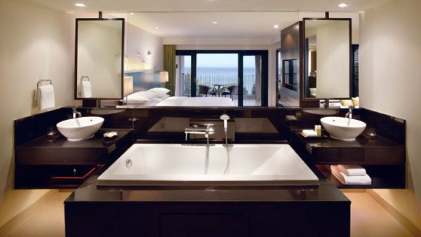 Hyatt Regency Phuket Resort bathroom