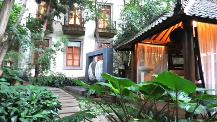 Balinese Spa Gardens Fairlawns Boutique Hotel